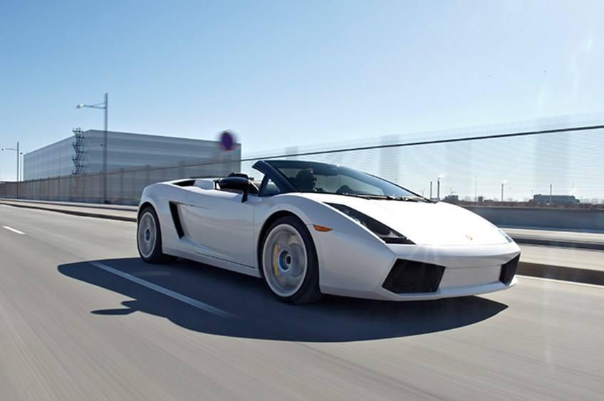 Oplevelsesgavekort - Kør Lamborghini på gaden i Aarhus eller København